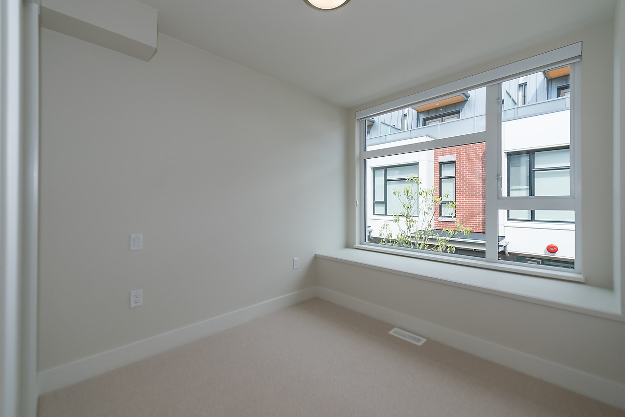 Townhouse at 5436 OAK STREET, Vancouver West, British Columbia. Image 13