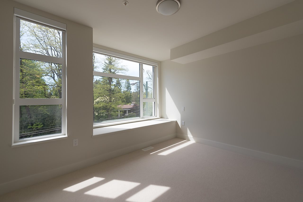 Townhouse at 5436 OAK STREET, Vancouver West, British Columbia. Image 15