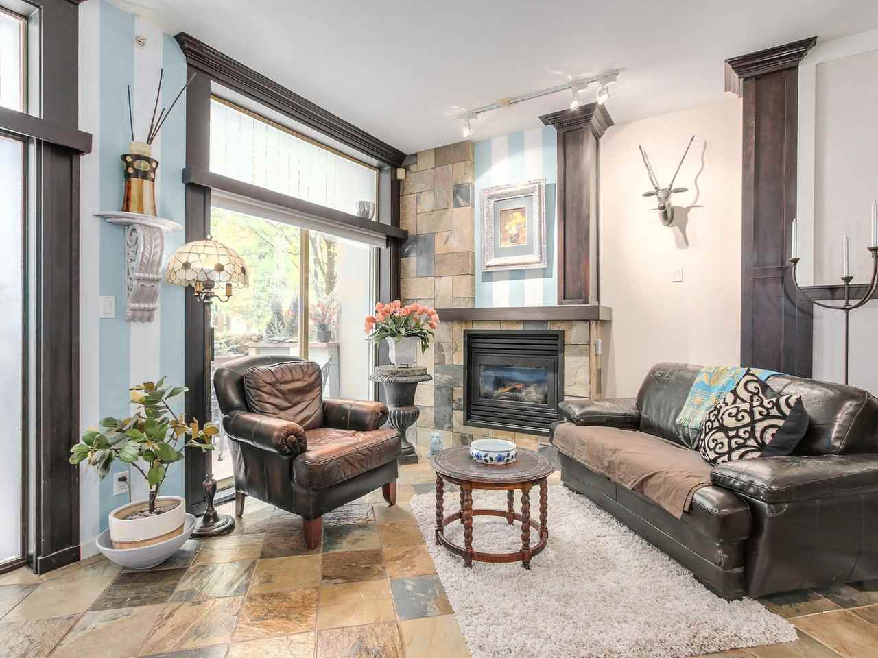 Townhouse at 985 RICHARDS STREET, Vancouver West, British Columbia. Image 4