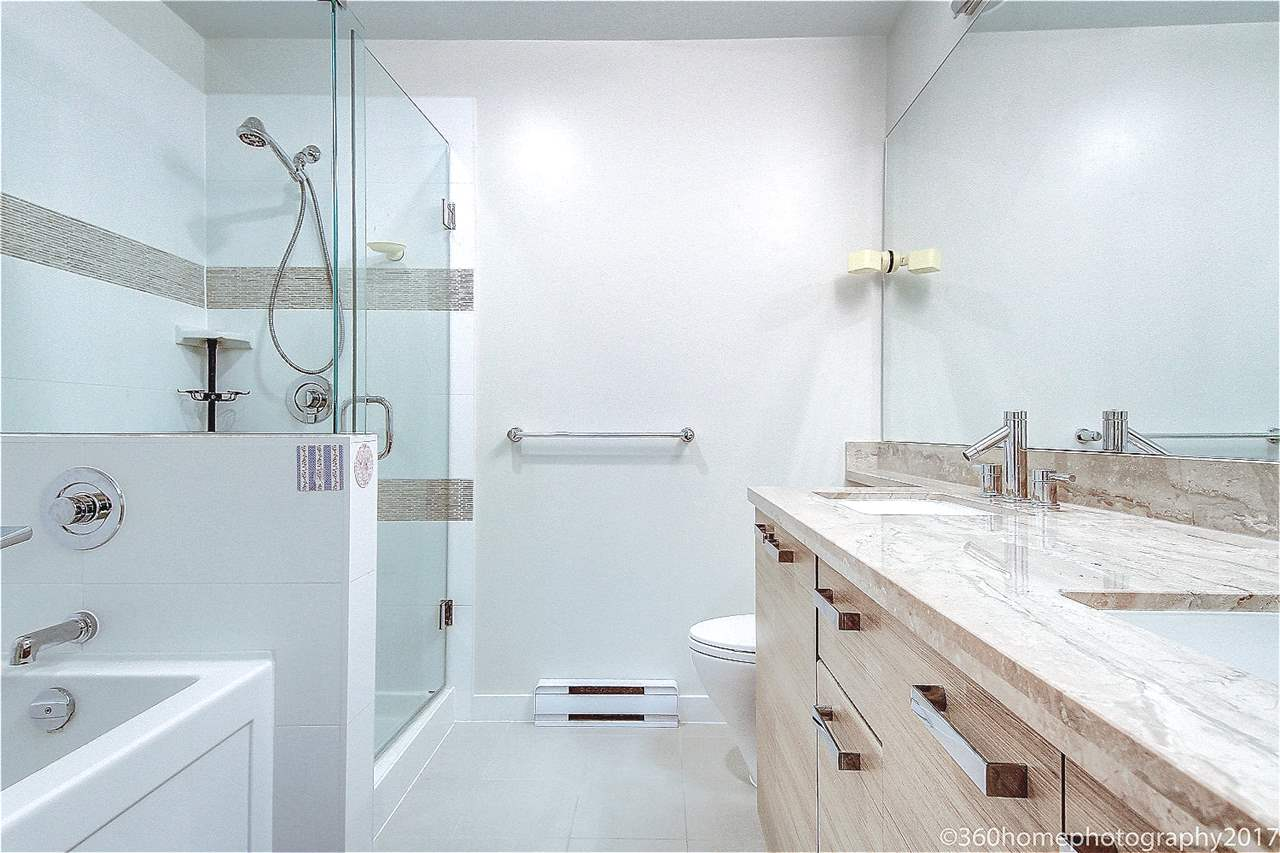 Condo Apartment at 401 9388 MCKIM WAY, Unit 401, Richmond, British Columbia. Image 5