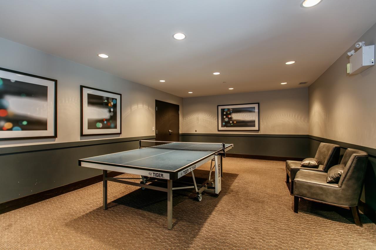 Condo Apartment at 401 9388 MCKIM WAY, Unit 401, Richmond, British Columbia. Image 9