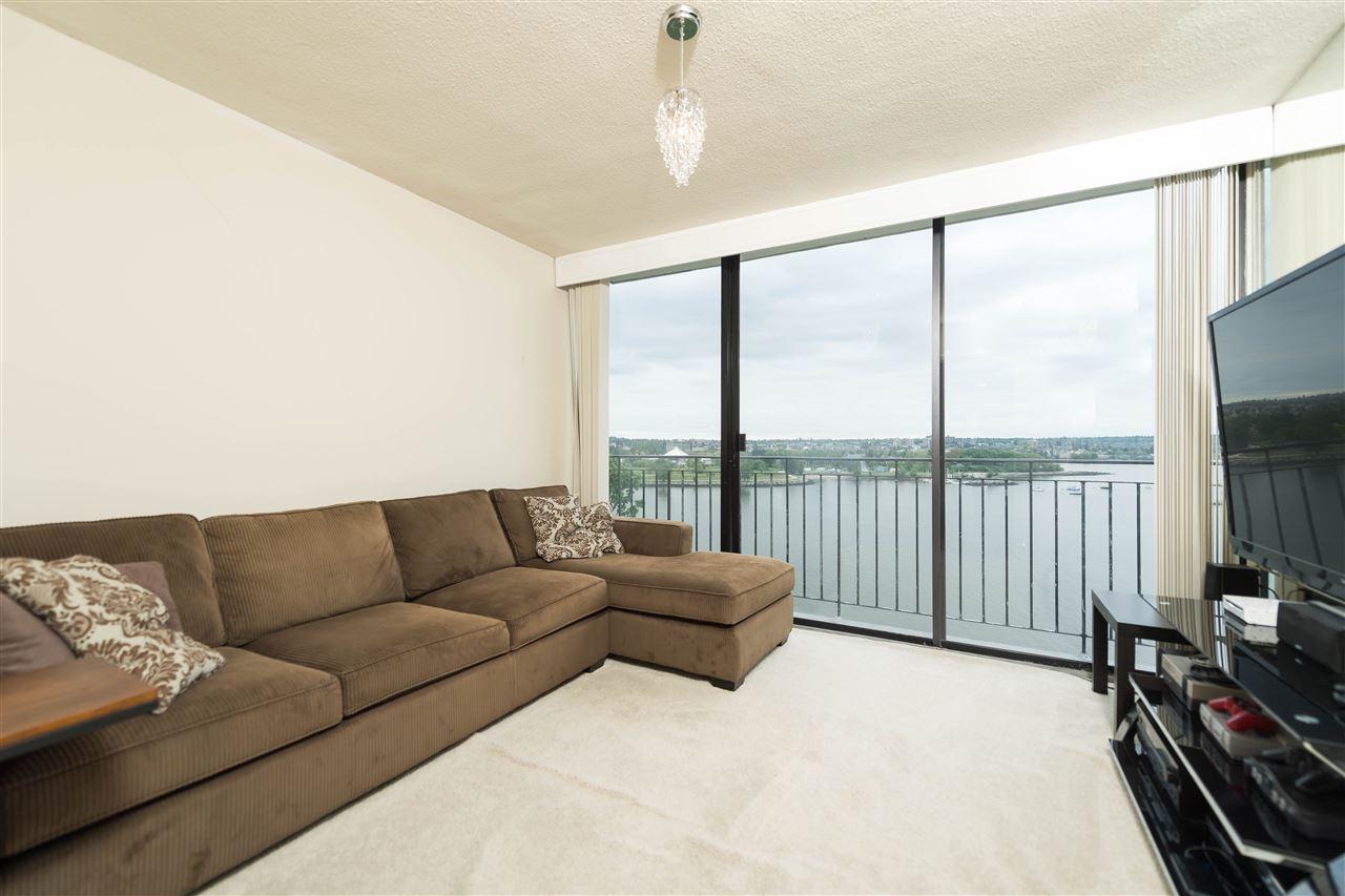 Condo Apartment at 1002 1575 BEACH AVENUE, Unit 1002, Vancouver West, British Columbia. Image 3