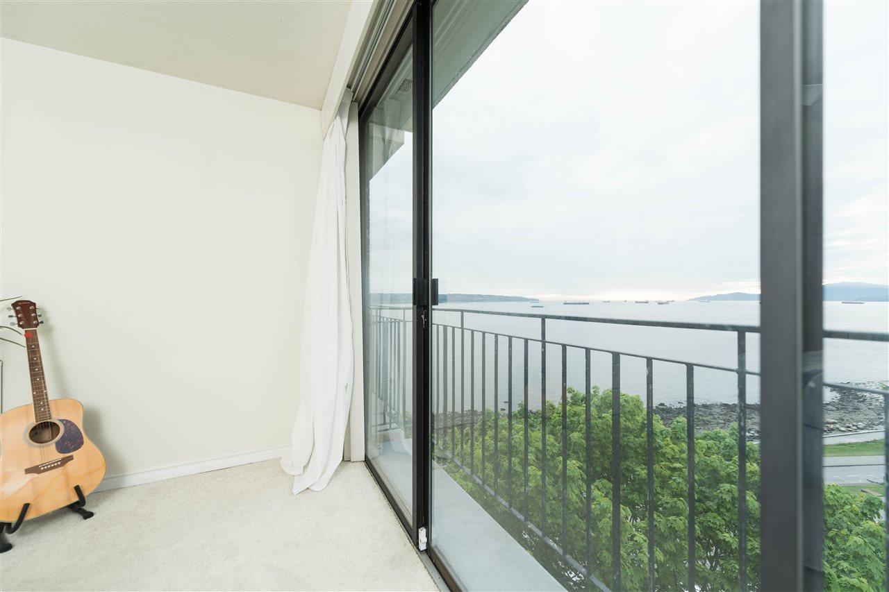 Condo Apartment at 1002 1575 BEACH AVENUE, Unit 1002, Vancouver West, British Columbia. Image 6
