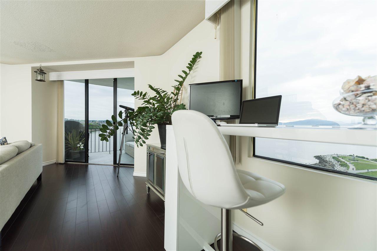 Condo Apartment at 1002 1575 BEACH AVENUE, Unit 1002, Vancouver West, British Columbia. Image 13
