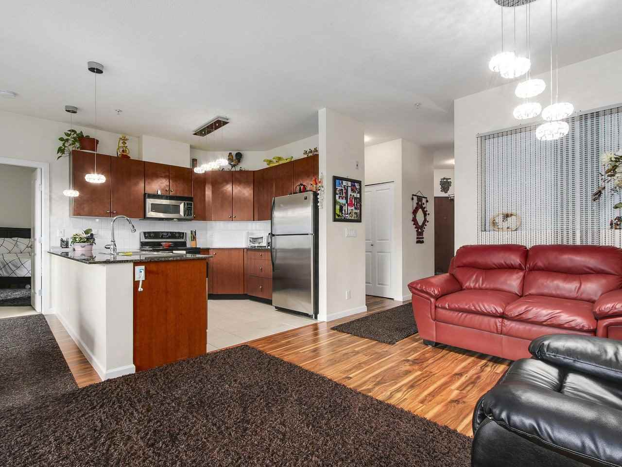 Condo Apartment at 203 10180 153 STREET, Unit 203, North Surrey, British Columbia. Image 7