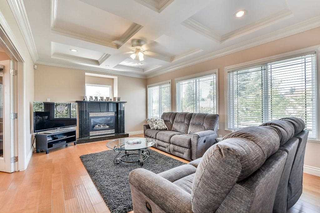 Detached at 4888 WATLING STREET, Burnaby South, British Columbia. Image 11