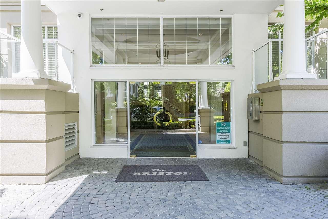 Condo Apartment at 113 5735 HAMPTON PLACE, Unit 113, Vancouver West, British Columbia. Image 2