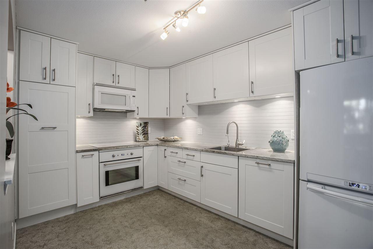 Condo Apartment at 113 5735 HAMPTON PLACE, Unit 113, Vancouver West, British Columbia. Image 5