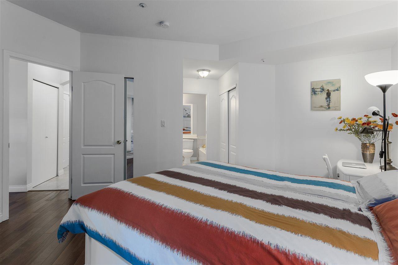 Condo Apartment at 113 5735 HAMPTON PLACE, Unit 113, Vancouver West, British Columbia. Image 8