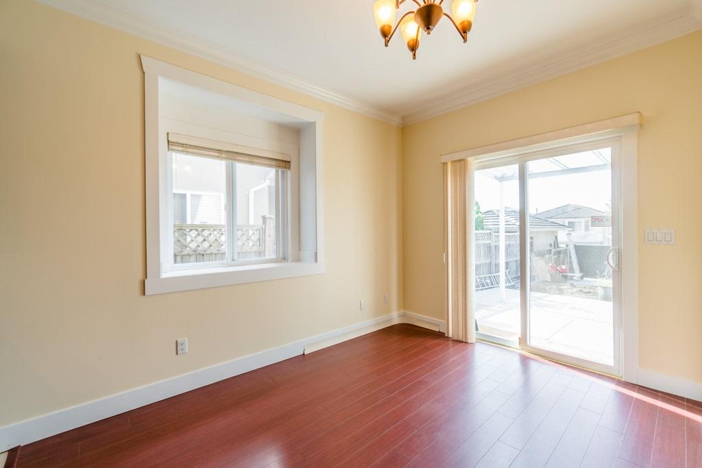 Half-duplex at 5992 NEVILLE STREET, Burnaby South, British Columbia. Image 10