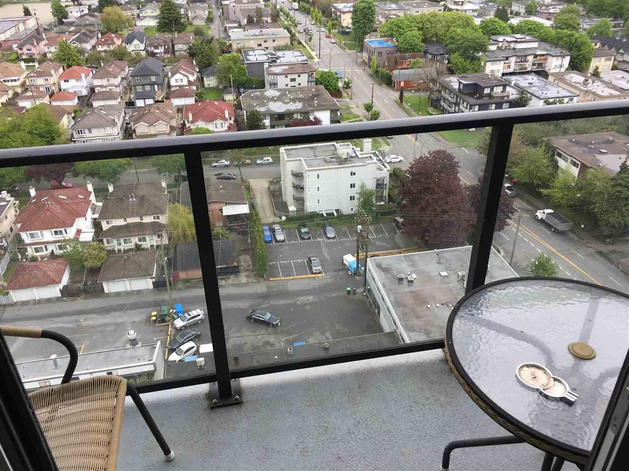 Condo Apartment at 2107 8555 GRANVILLE STREET, Unit 2107, Vancouver West, British Columbia. Image 2