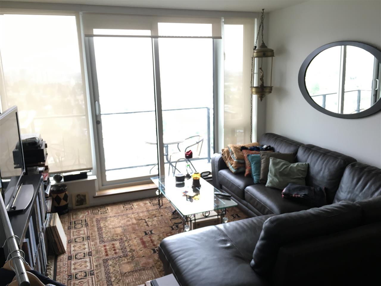 Condo Apartment at 2107 8555 GRANVILLE STREET, Unit 2107, Vancouver West, British Columbia. Image 3