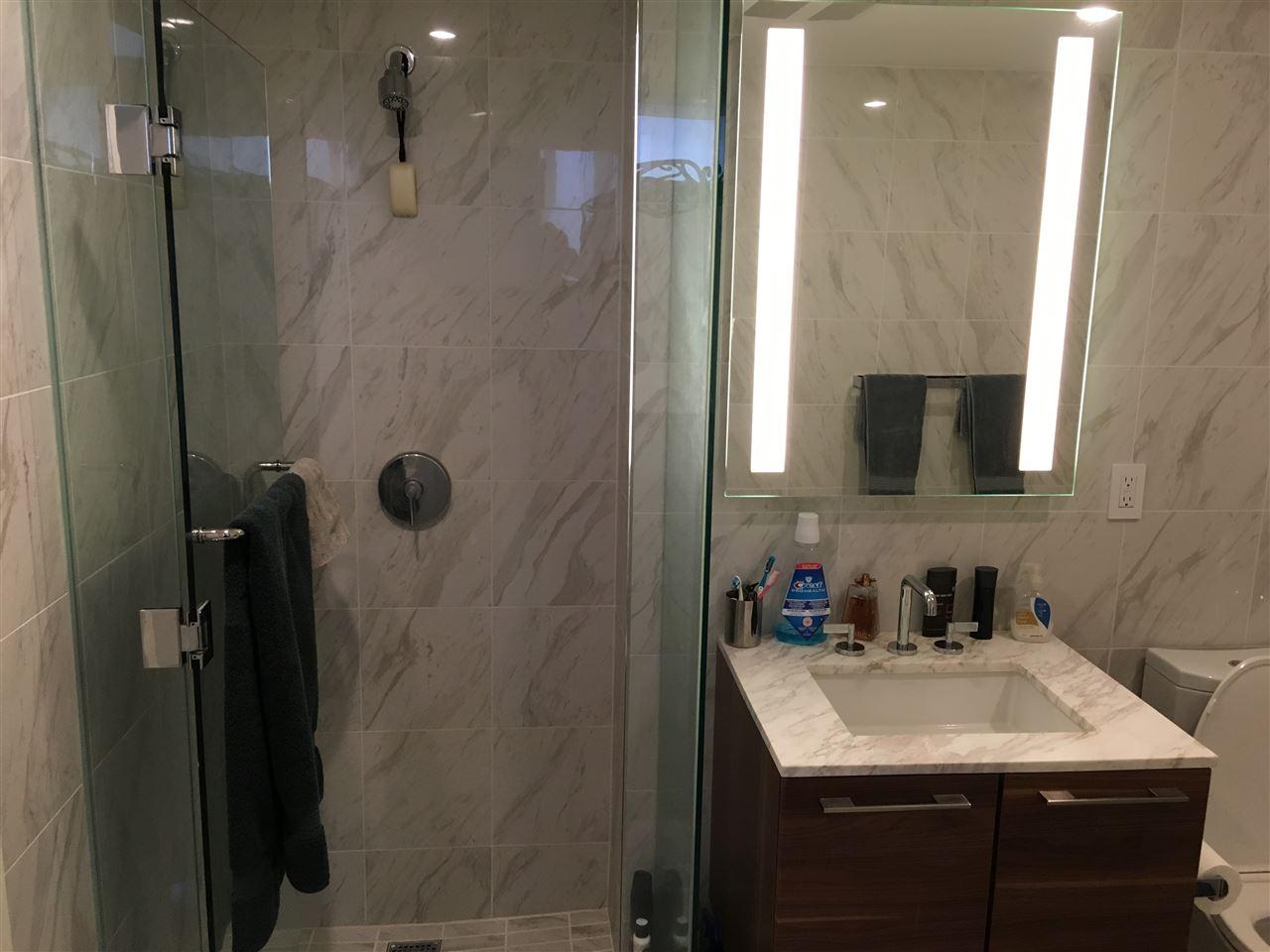 Condo Apartment at 2107 8555 GRANVILLE STREET, Unit 2107, Vancouver West, British Columbia. Image 6
