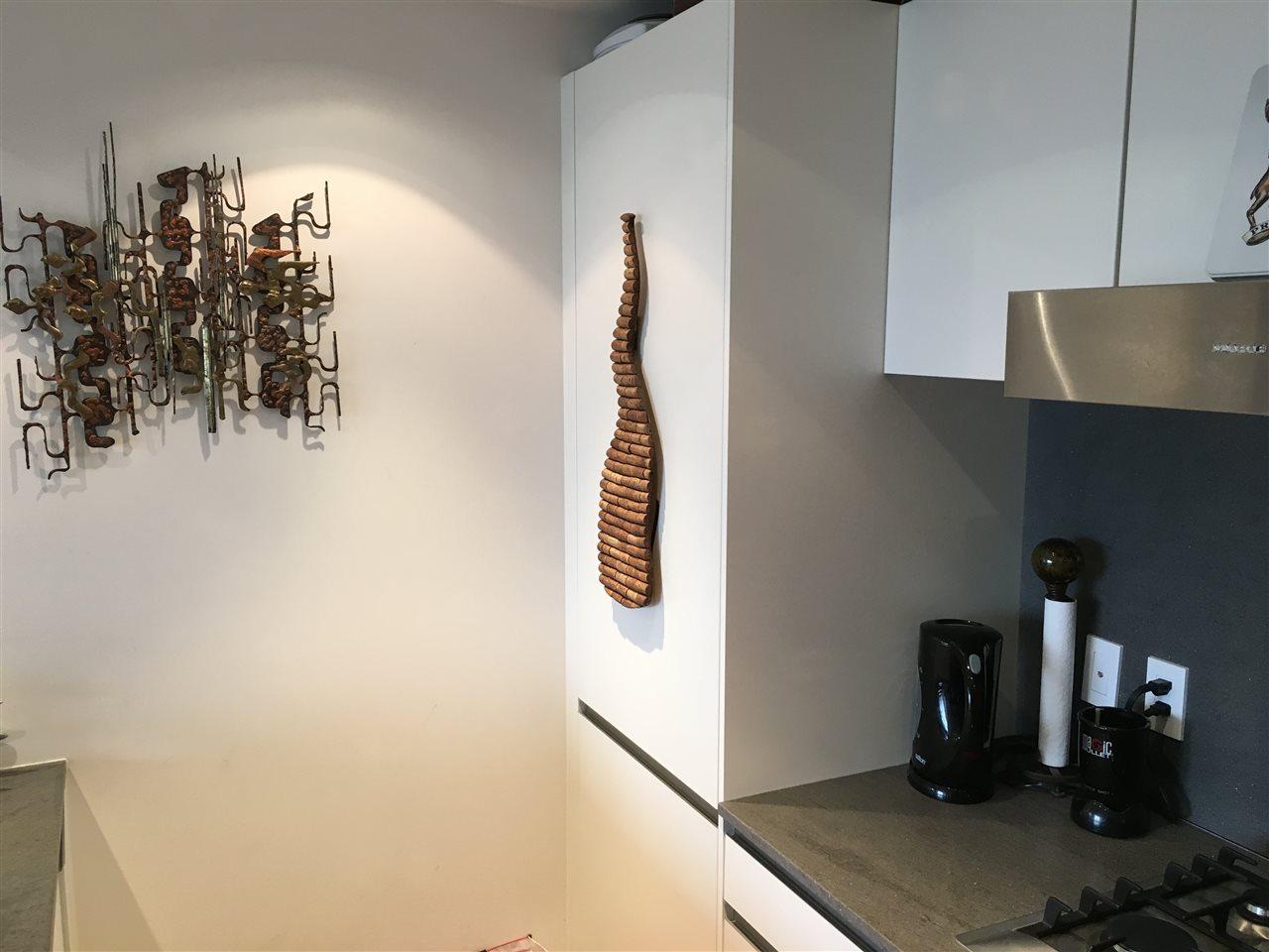 Condo Apartment at 2107 8555 GRANVILLE STREET, Unit 2107, Vancouver West, British Columbia. Image 9