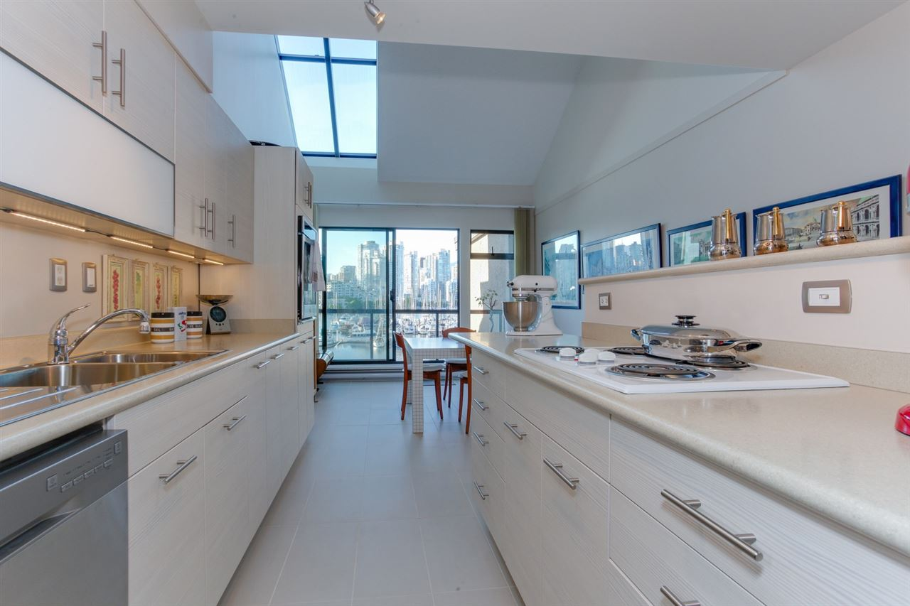 Townhouse at 774 MILLBANK, Vancouver West, British Columbia. Image 10