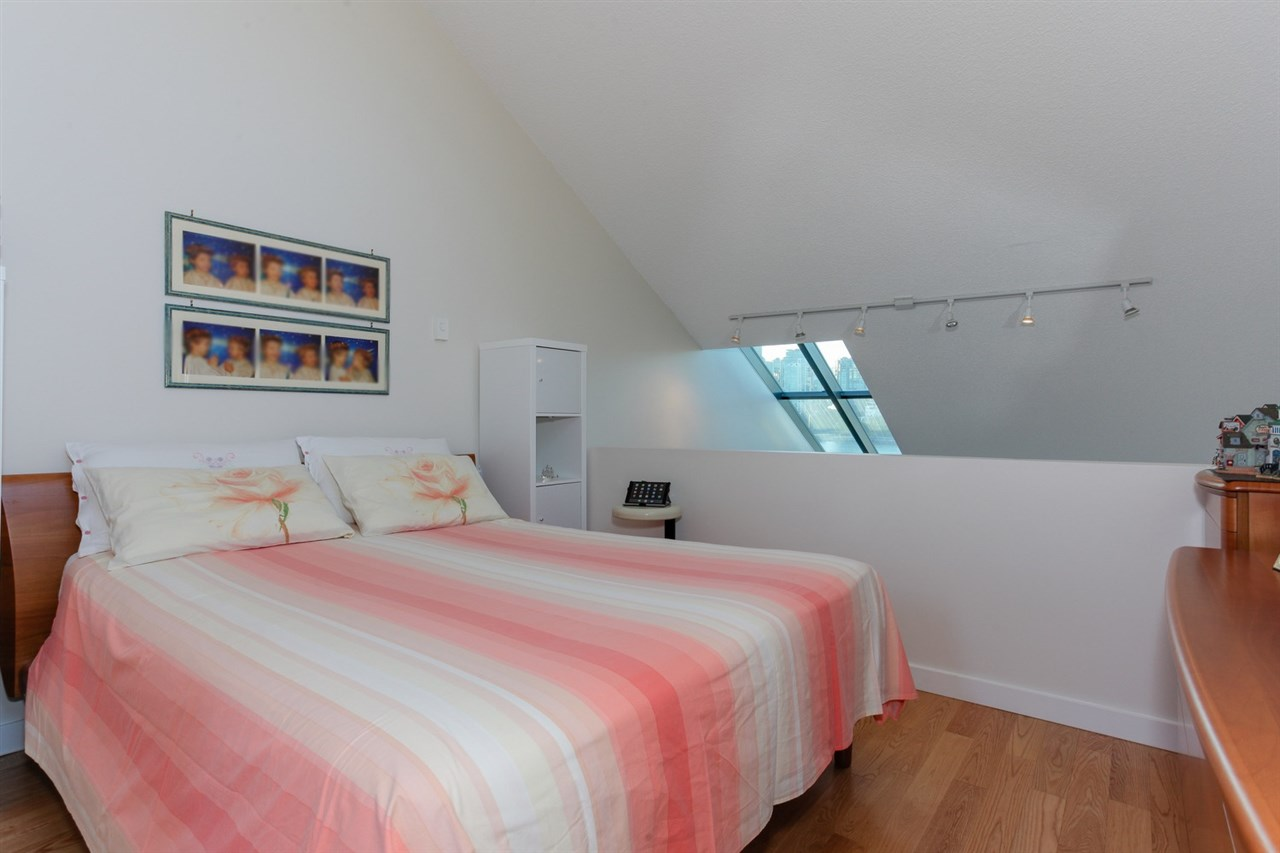 Townhouse at 774 MILLBANK, Vancouver West, British Columbia. Image 12