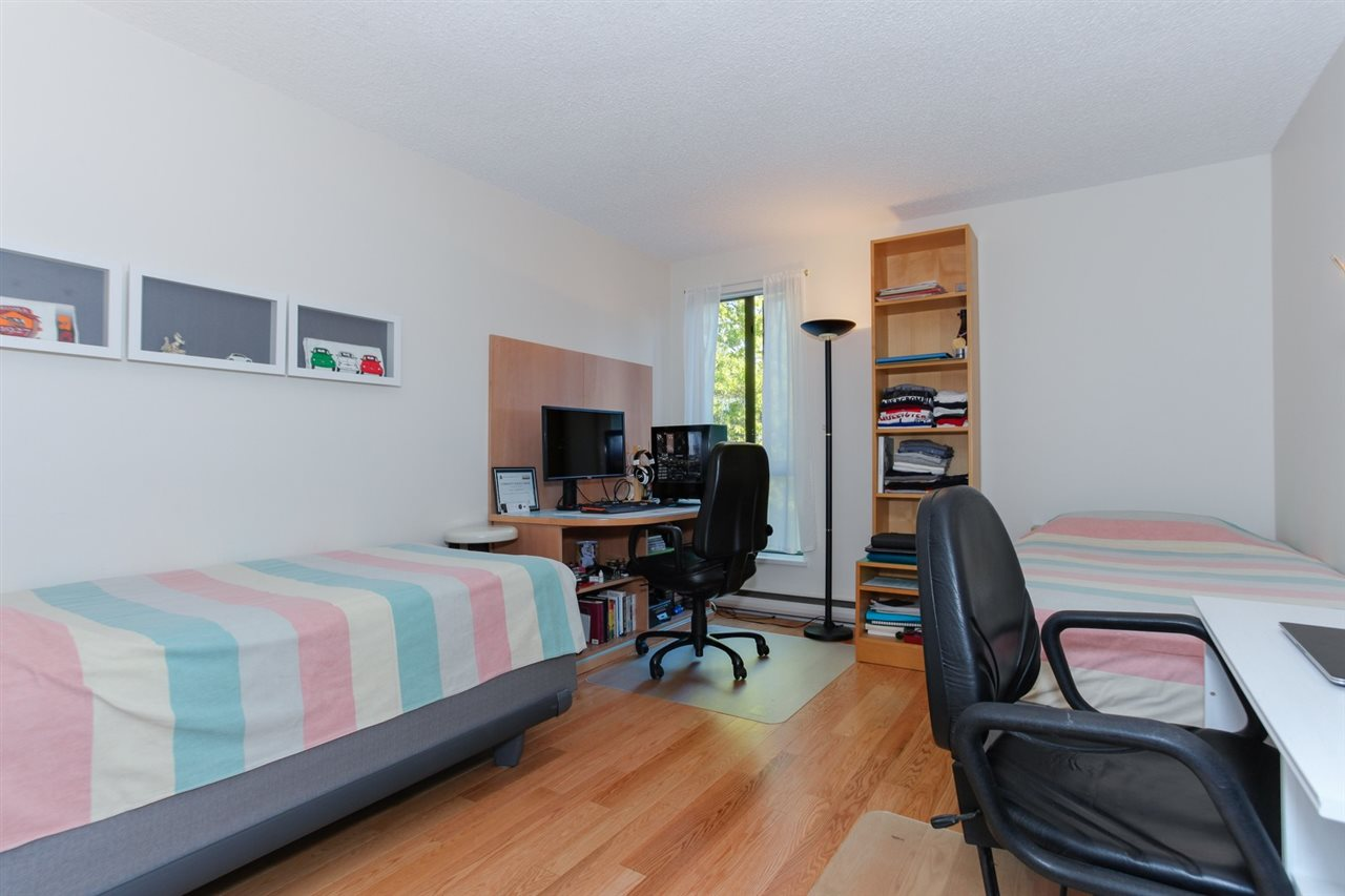 Townhouse at 774 MILLBANK, Vancouver West, British Columbia. Image 15