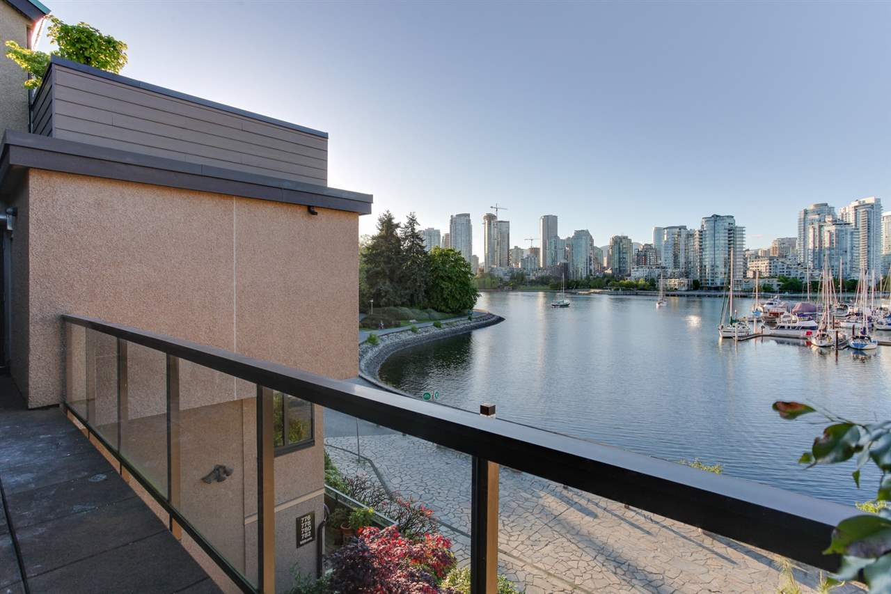 Townhouse at 774 MILLBANK, Vancouver West, British Columbia. Image 19