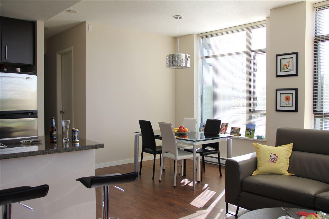 Condo Apartment at 305 4250 DAWSON STREET, Unit 305, Burnaby North, British Columbia. Image 3