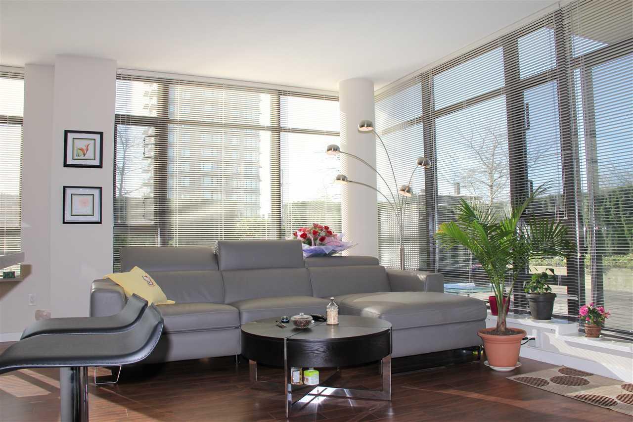 Condo Apartment at 305 4250 DAWSON STREET, Unit 305, Burnaby North, British Columbia. Image 4
