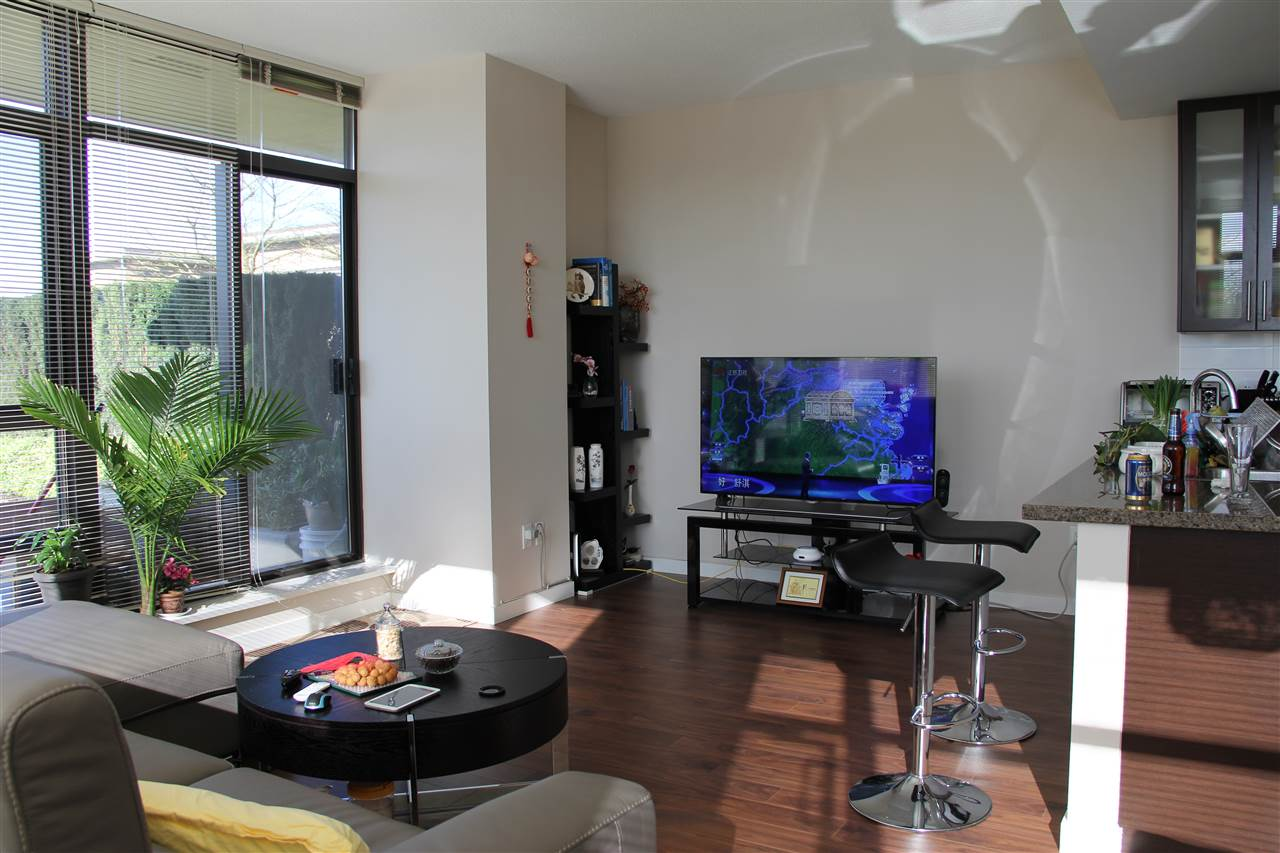 Condo Apartment at 305 4250 DAWSON STREET, Unit 305, Burnaby North, British Columbia. Image 5