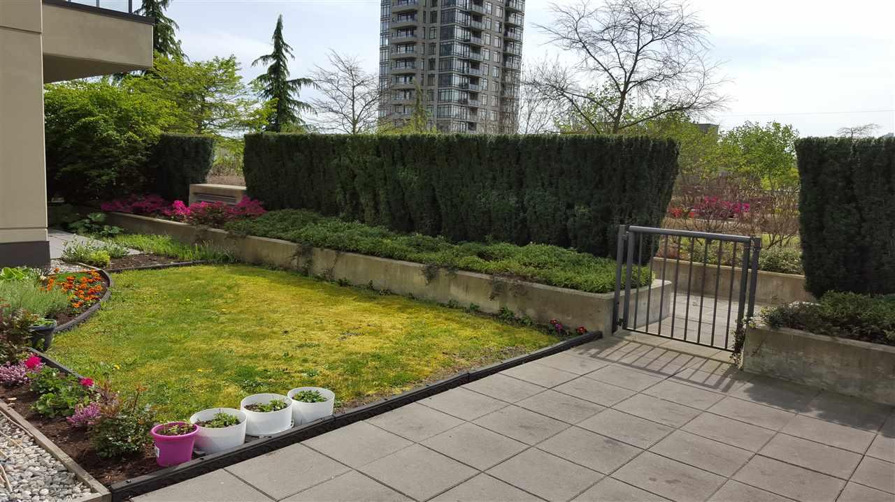 Condo Apartment at 305 4250 DAWSON STREET, Unit 305, Burnaby North, British Columbia. Image 10