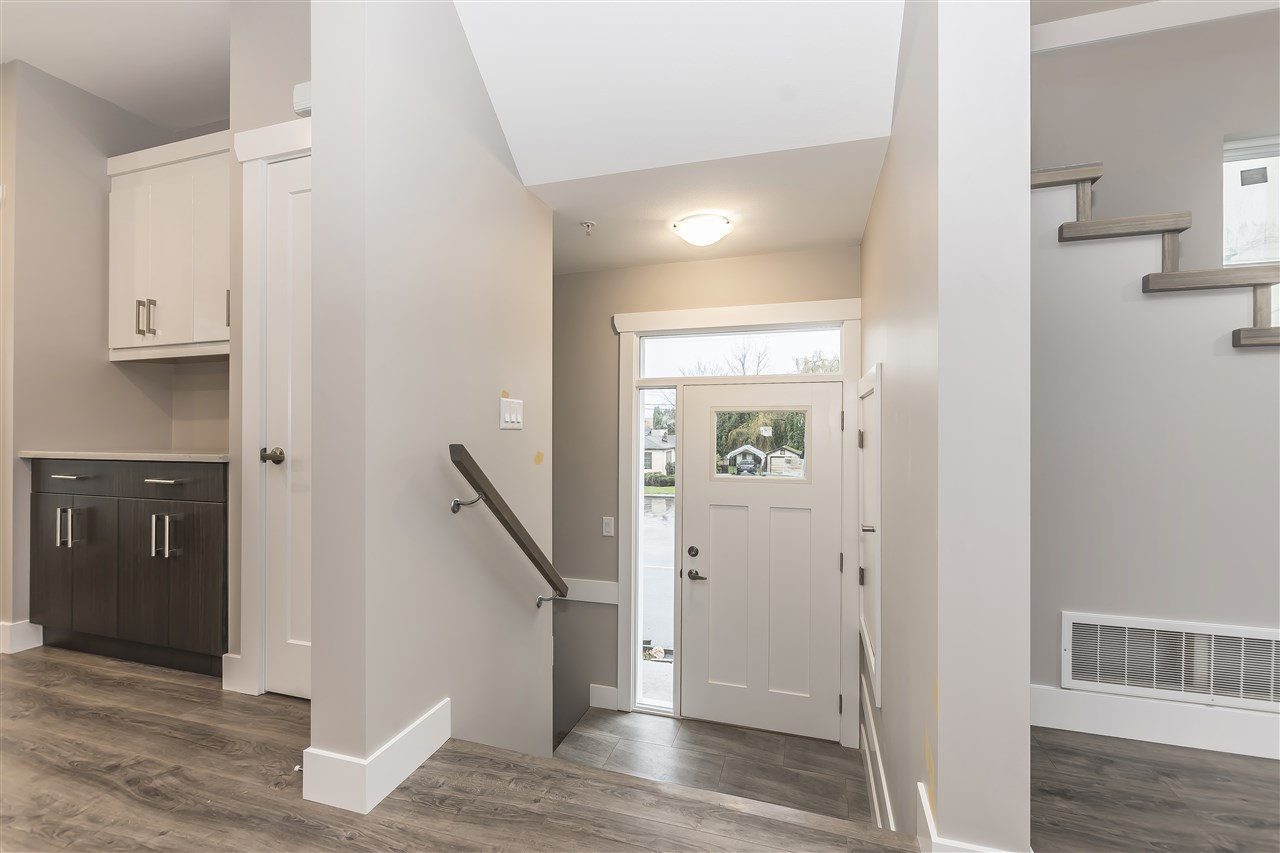 Townhouse at 6 45395 SPADINA AVENUE, Unit 6, Chilliwack, British Columbia. Image 3