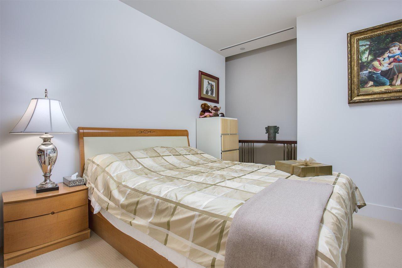 Condo Apartment at 1602 667 HOWE STREET, Unit 1602, Vancouver West, British Columbia. Image 13