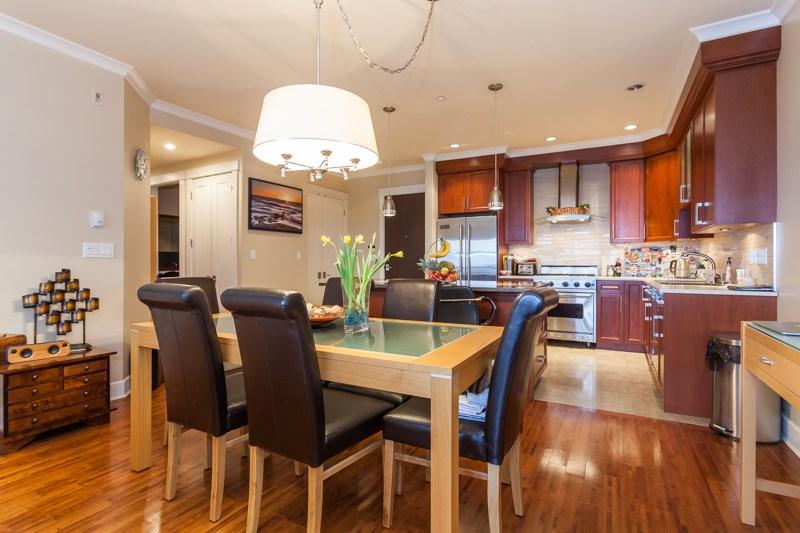 Condo Apartment at 202 6688 ROYAL AVENUE, Unit 202, West Vancouver, British Columbia. Image 7