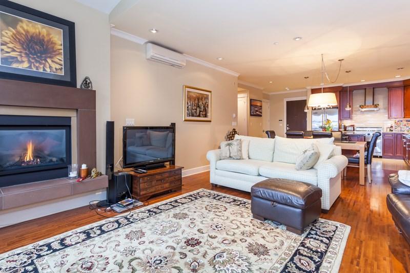 Condo Apartment at 202 6688 ROYAL AVENUE, Unit 202, West Vancouver, British Columbia. Image 10