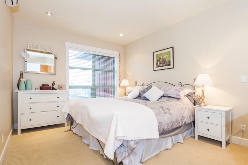 Condo Apartment at 202 6688 ROYAL AVENUE, Unit 202, West Vancouver, British Columbia. Image 11