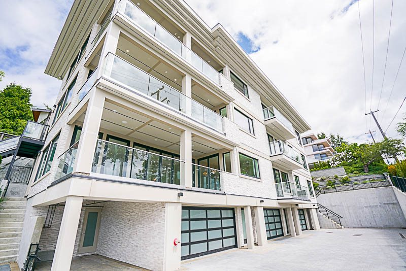Condo Apartment at 1 15021 BUENA VISTA AVENUE, Unit 1, South Surrey White Rock, British Columbia. Image 1