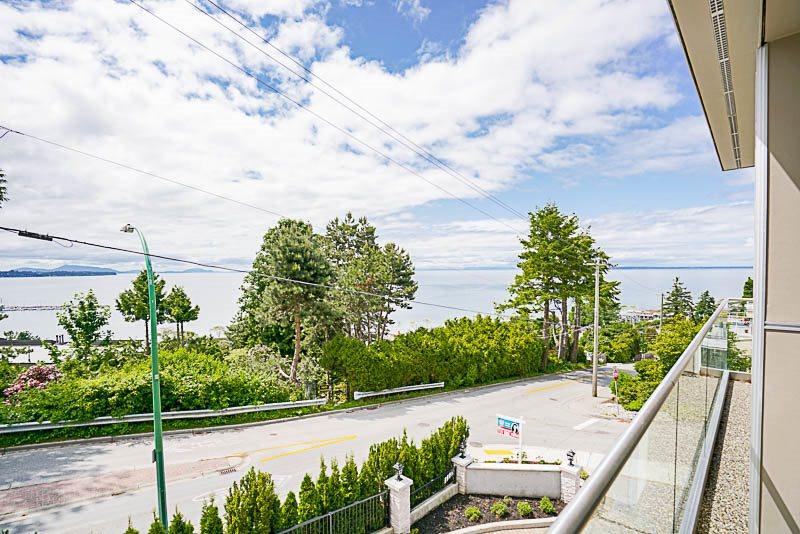Condo Apartment at 1 15021 BUENA VISTA AVENUE, Unit 1, South Surrey White Rock, British Columbia. Image 5