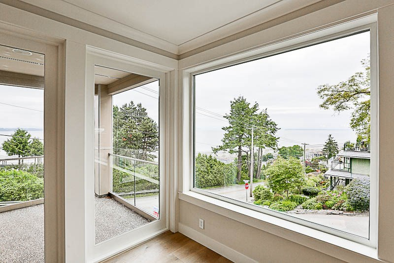 Condo Apartment at 1 15021 BUENA VISTA AVENUE, Unit 1, South Surrey White Rock, British Columbia. Image 8
