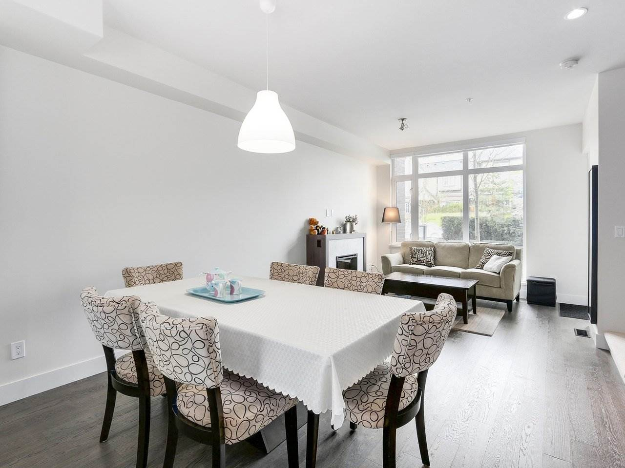 Townhouse at 6130 OAK STREET, Vancouver West, British Columbia. Image 4