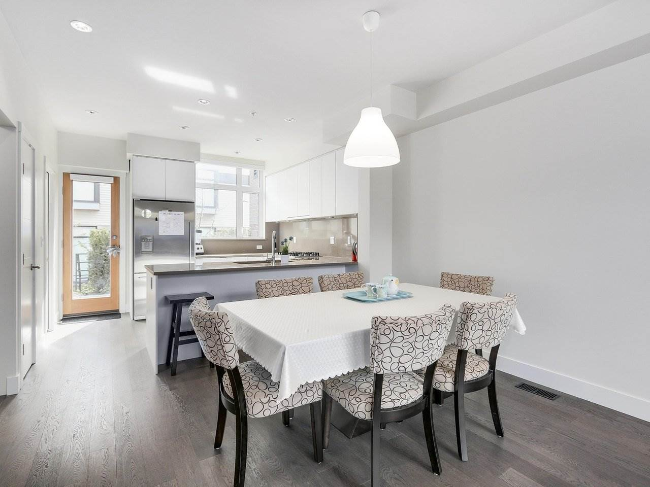 Townhouse at 6130 OAK STREET, Vancouver West, British Columbia. Image 5