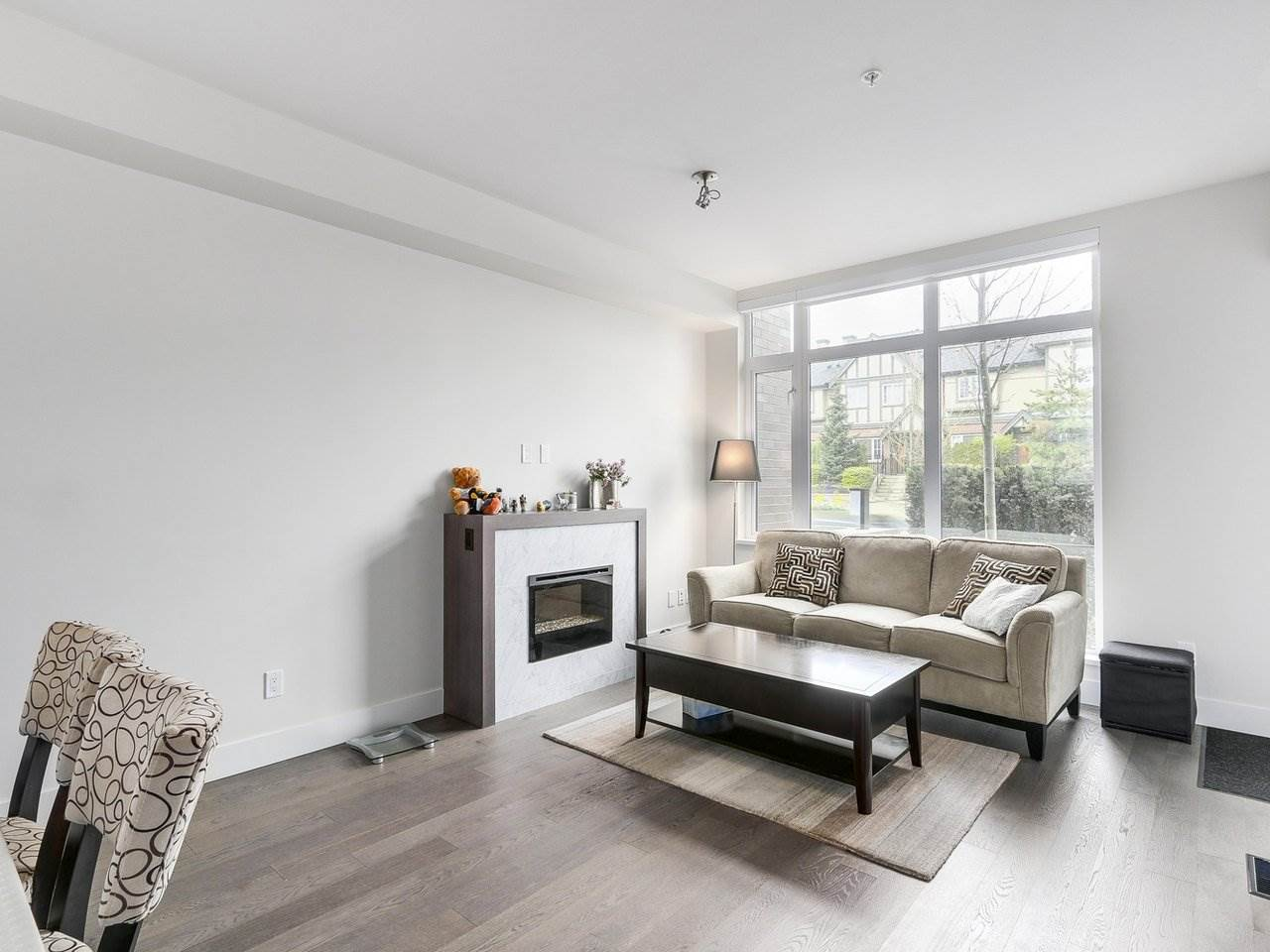 Townhouse at 6130 OAK STREET, Vancouver West, British Columbia. Image 6