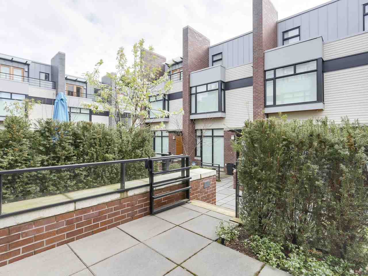 Townhouse at 6130 OAK STREET, Vancouver West, British Columbia. Image 19