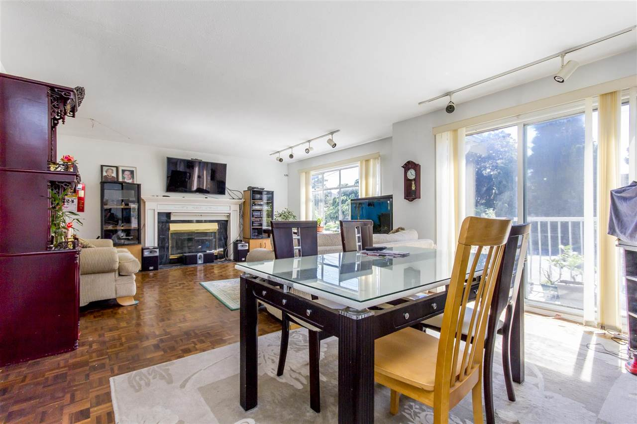 Detached at 7549 10TH AVENUE, Burnaby East, British Columbia. Image 4