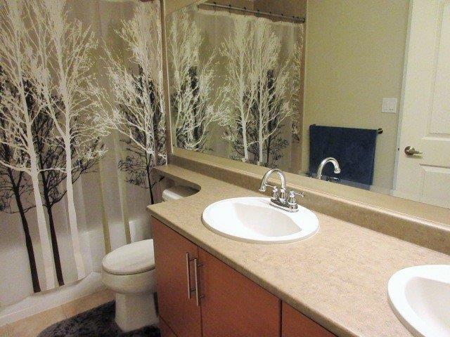 Condo Apartment at 217 1211 VILLAGE GREEN WAY, Unit 217, Squamish, British Columbia. Image 8