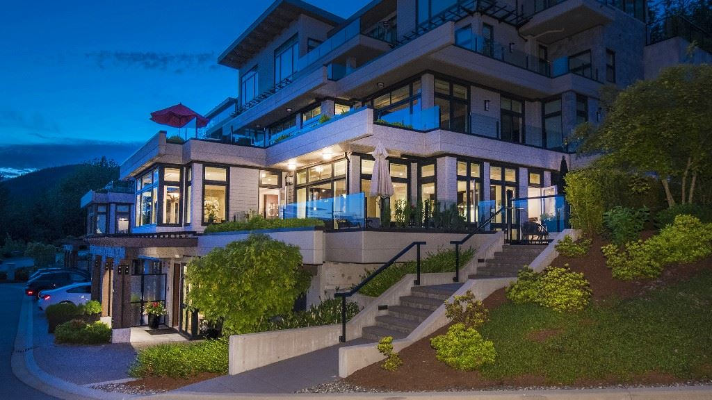 Townhouse at 2551 HIGHGROVE MEWS, West Vancouver, British Columbia. Image 1