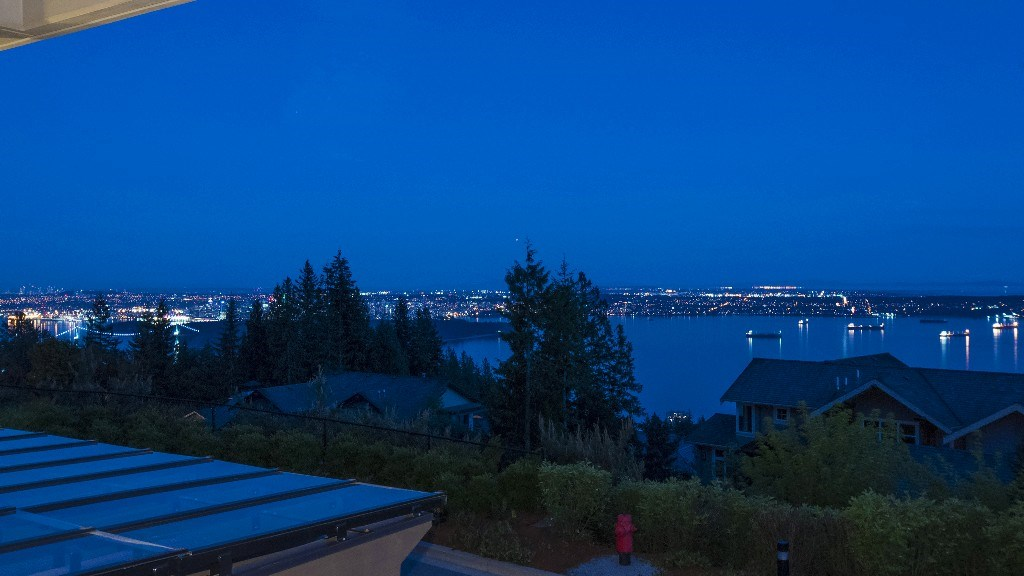 Townhouse at 2551 HIGHGROVE MEWS, West Vancouver, British Columbia. Image 15