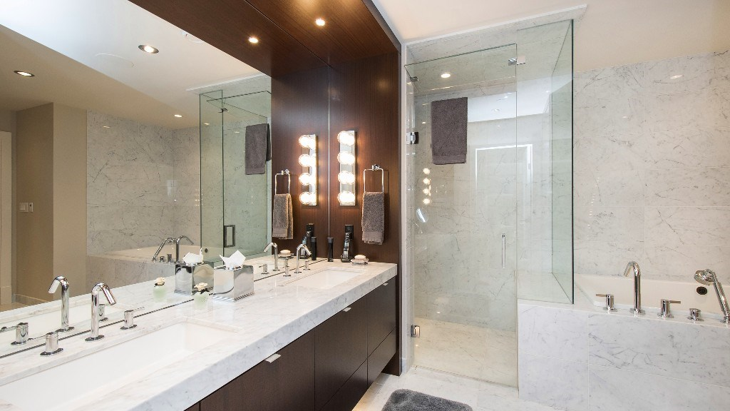 Townhouse at 2551 HIGHGROVE MEWS, West Vancouver, British Columbia. Image 16