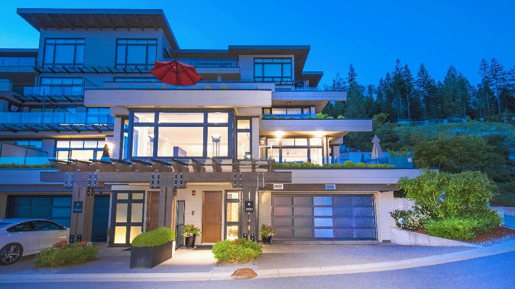 Townhouse at 2551 HIGHGROVE MEWS, West Vancouver, British Columbia. Image 20