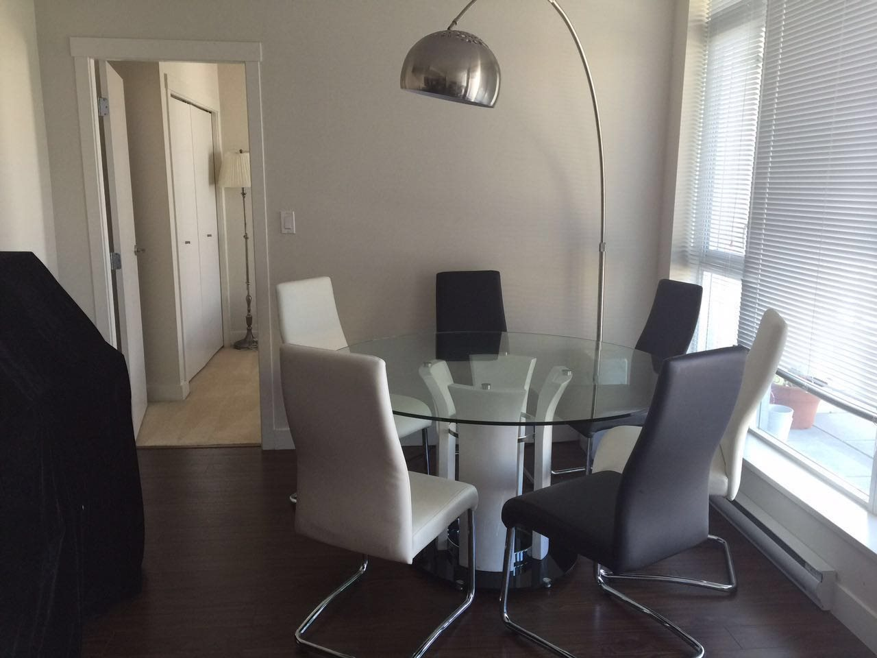 Condo Apartment at 1807 8068 WESTMINSTER HIGHWAY, Unit 1807, Richmond, British Columbia. Image 4