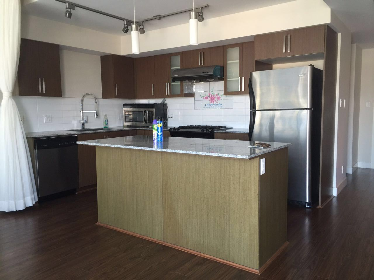 Condo Apartment at 1807 8068 WESTMINSTER HIGHWAY, Unit 1807, Richmond, British Columbia. Image 5
