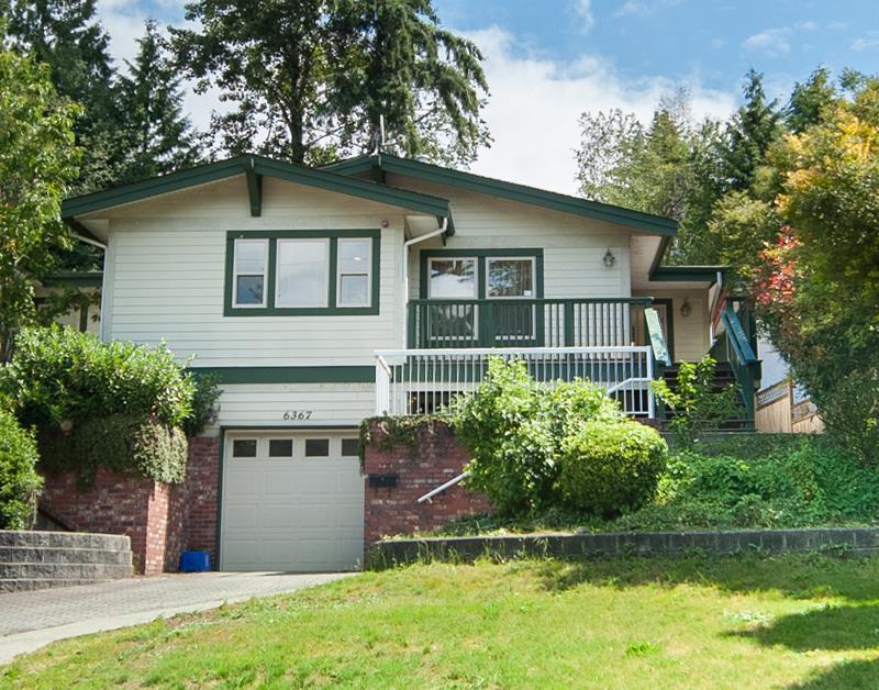 Half-duplex at 6367 MARINE DRIVE, Burnaby South, British Columbia. Image 1