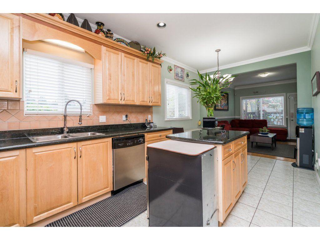Half-duplex at 7968 WEDGEWOOD STREET, Burnaby South, British Columbia. Image 13