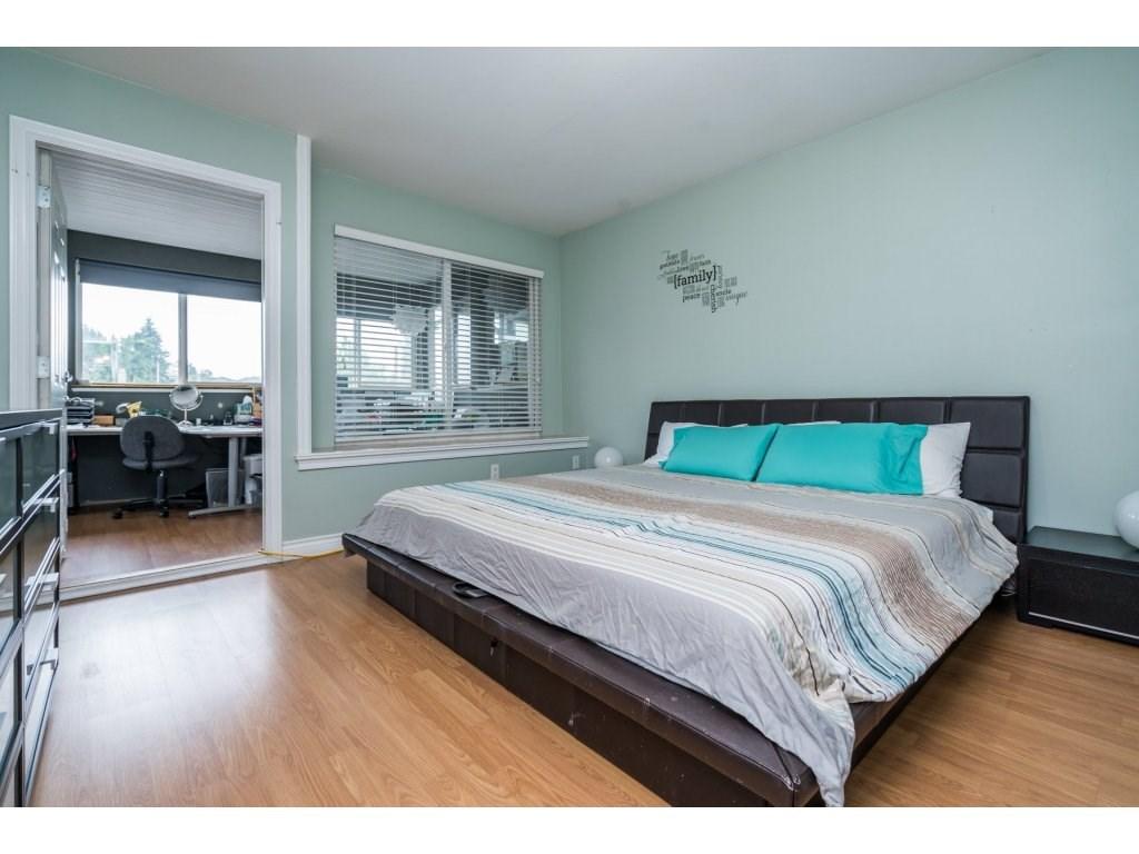 Half-duplex at 7968 WEDGEWOOD STREET, Burnaby South, British Columbia. Image 14