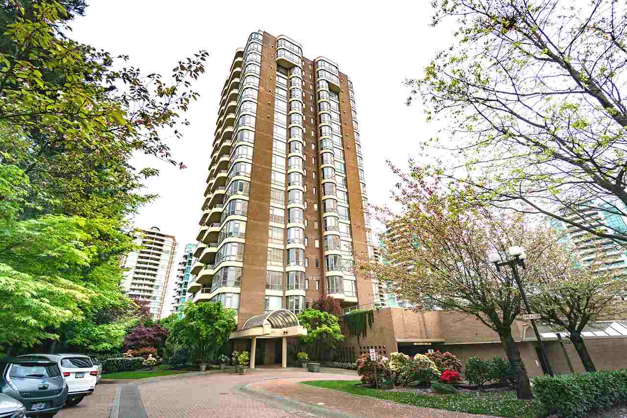 Condo Apartment at 600 5967 WILSON AVENUE, Unit 600, Burnaby South, British Columbia. Image 1